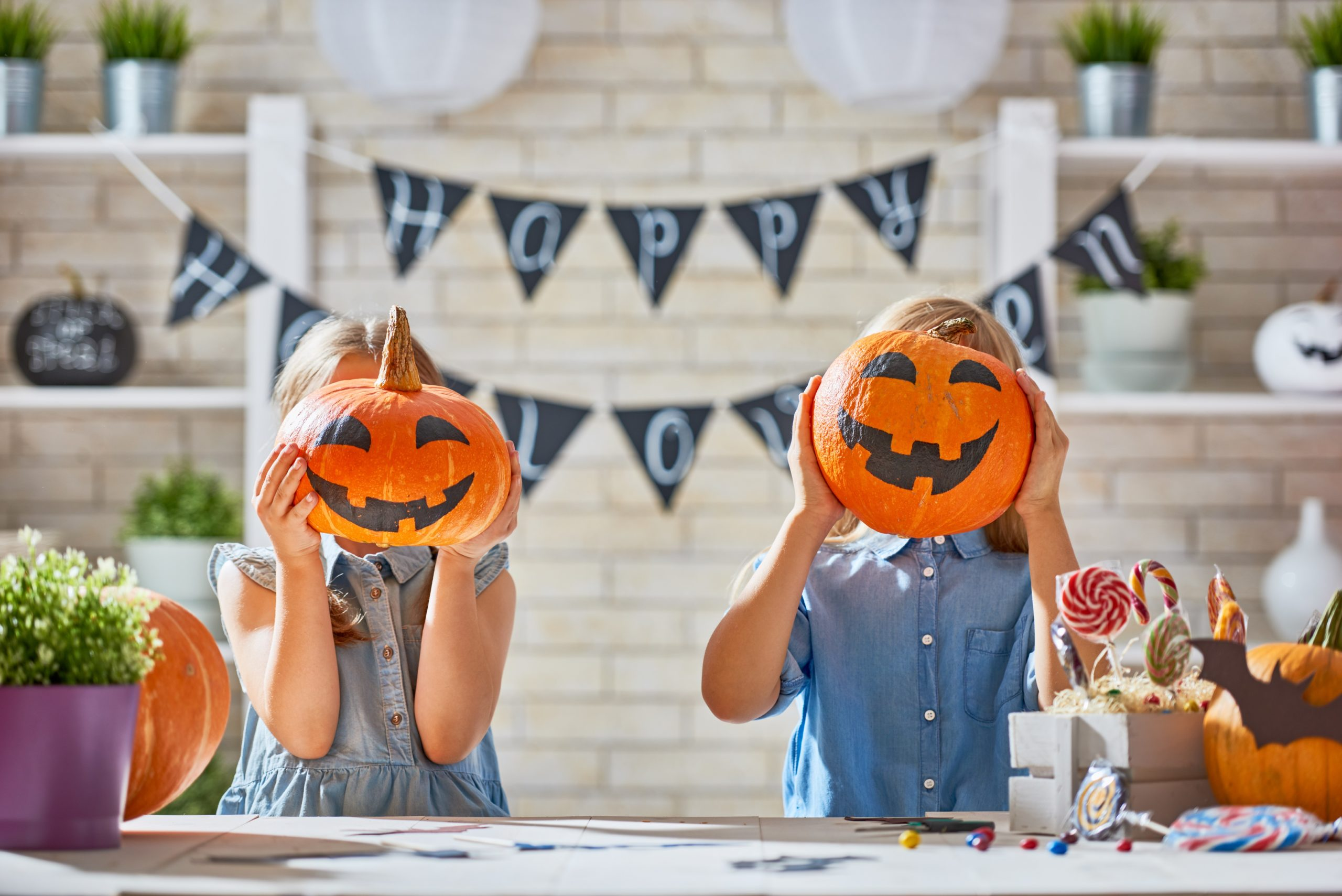 How to Celebrate Halloween Safely
